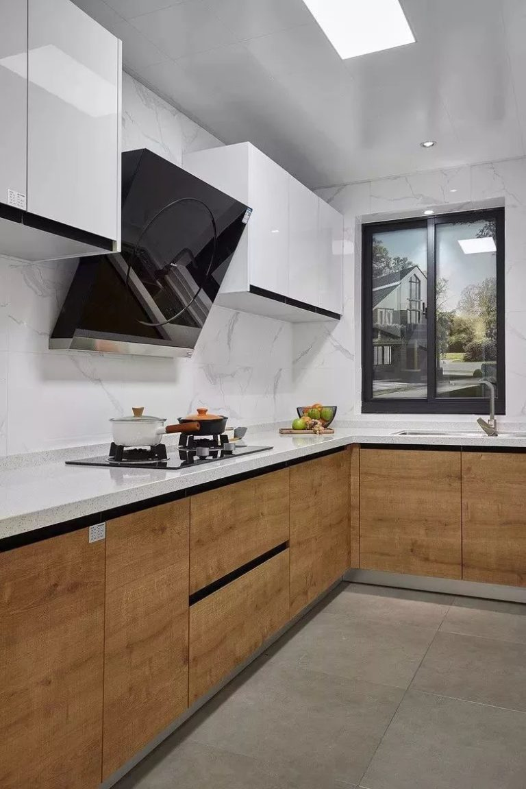 Quartz Backsplash High Gloss kitchen