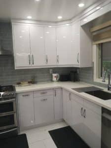 Brampton high gloss kitchen-Corner
