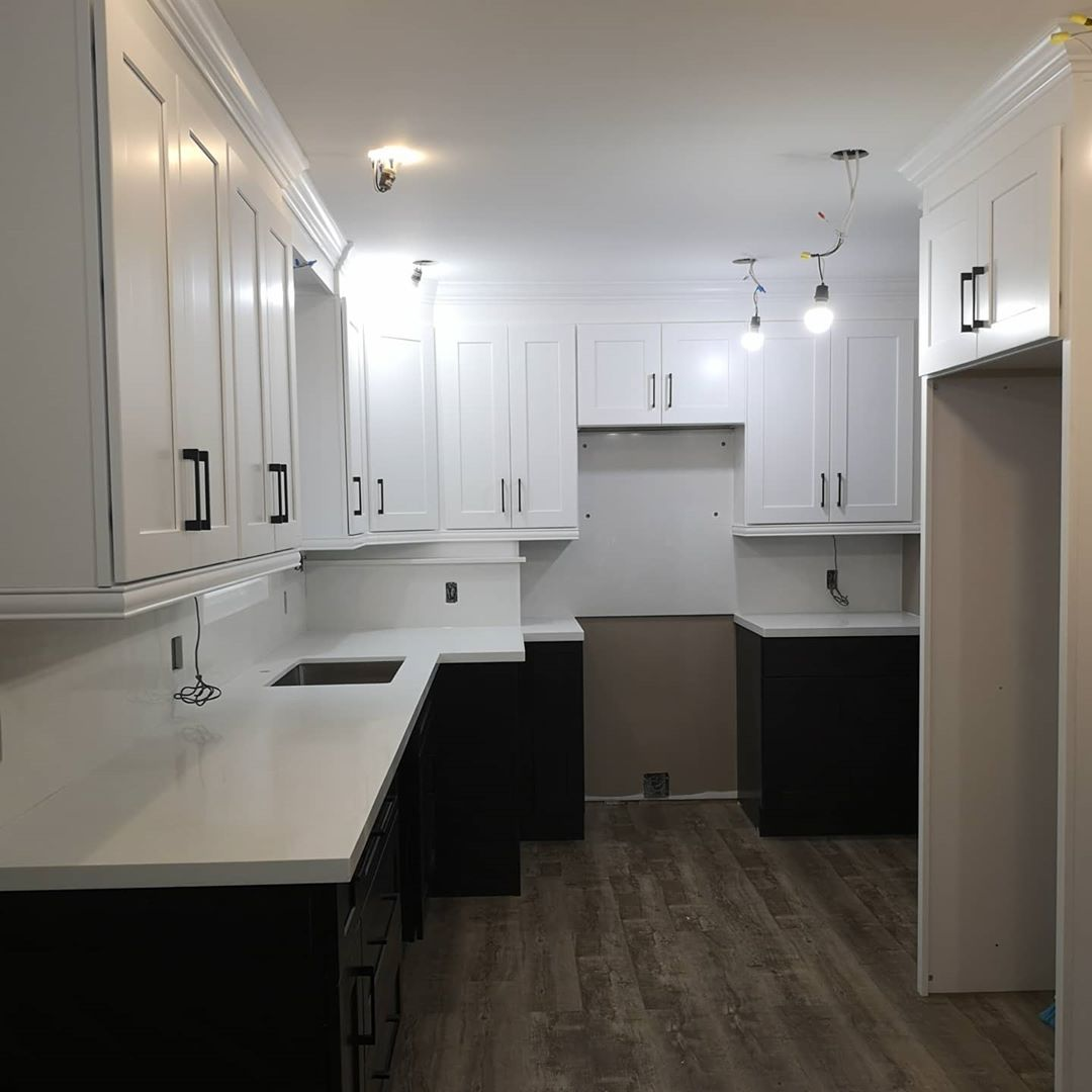 Hamilton Kitchen Remodel with bulkhead